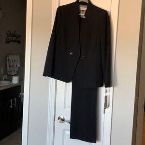 Tahari work pant suit navy